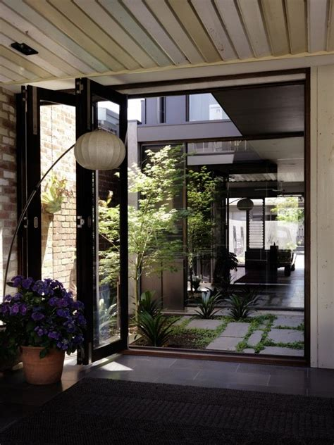 A Beautiful Melbourne House That Connects With Its Exteriors by The Courtyard Flow Through To Other