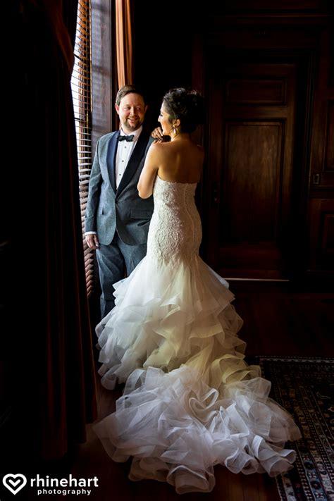 wedding photographers dc dc wedding photographers evan at the carnegie