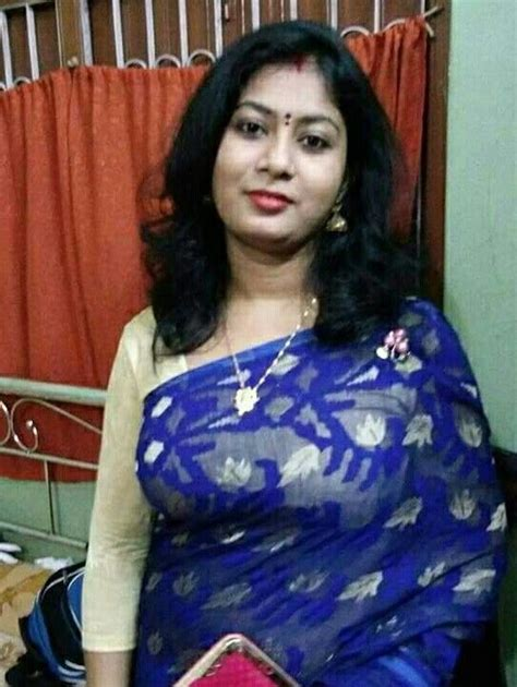 House Wife Indian Housewife In 2019 Indian Sarees