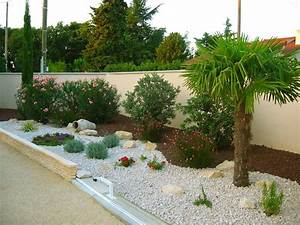 beautiful massif rocaille jardin photos seiunkelus With jardin de rocaille photos