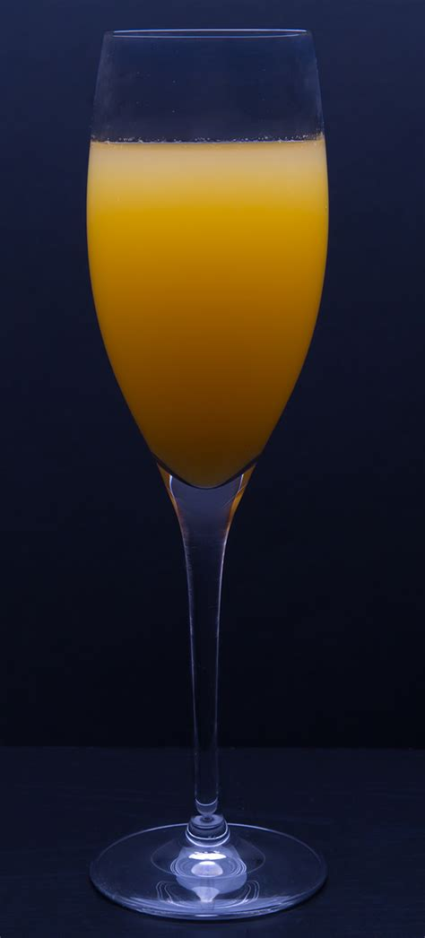 bellini cocktail recipe