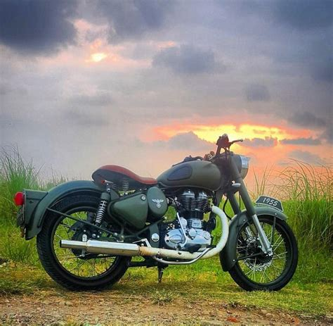 Royal Enfield Backgrounds by The 25 Best Royal Enfield Bullet Ideas On