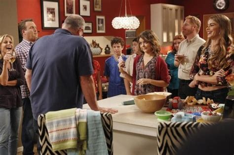 modern family recap 10 9 13 season 5 episode 4 farm strong laundry