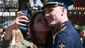 Russia Bans Smartphones For Soldiers Over Social Media