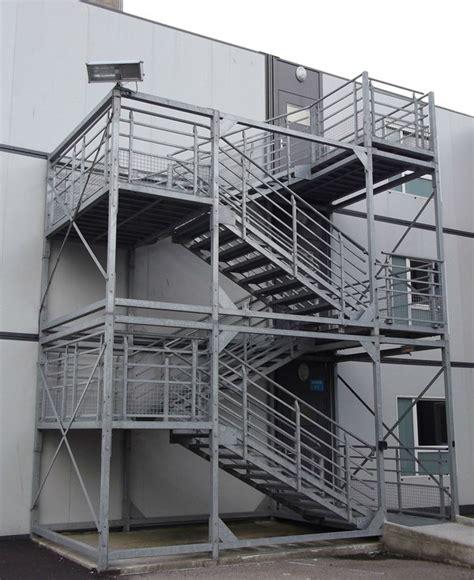 escalier de secours erp escalier de secours m 233 tallique sur mesure aux normes