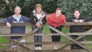 'I'll take my chance with Huntington's disease' - BBC News