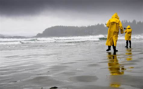 storm tofino watching things storms safe adventures activities dry waves stay