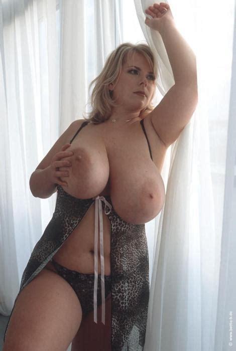 Thick Busty MILF NSFW Big Breasts Tag Big Breasts