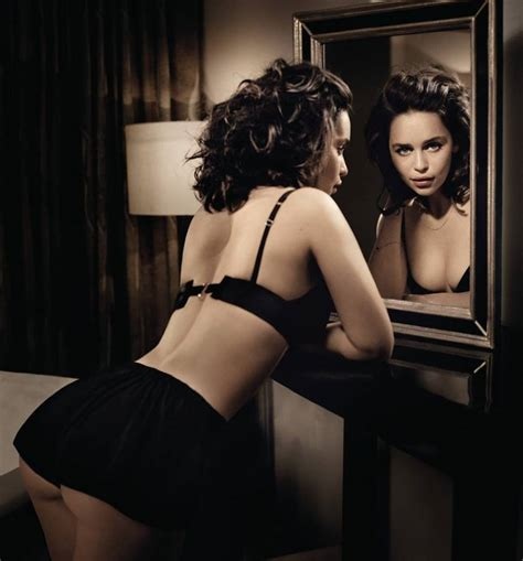 Emilia Clarke Latest Sexiest Pictures, Images And