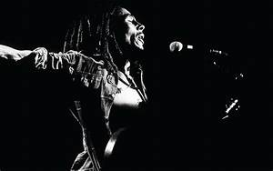 Bob Marley Live Performs Photo Black and White HD ...