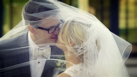 Lindsay + Greg » White Wedding Cinema Chicago, Il
