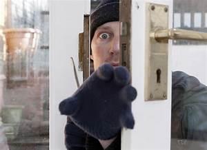 Einbrecher Im Haus : einbrecher noch im haus so verhalten sie sich richtig ~ Lizthompson.info Haus und Dekorationen