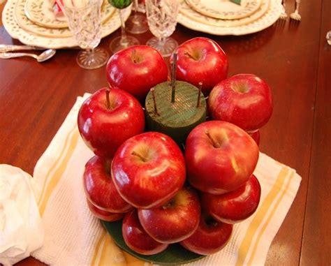 colonial williamsburg christmas table