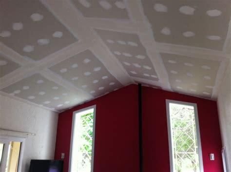 chambre noir faux plafond cathédrale avignon orange nimes salon aix
