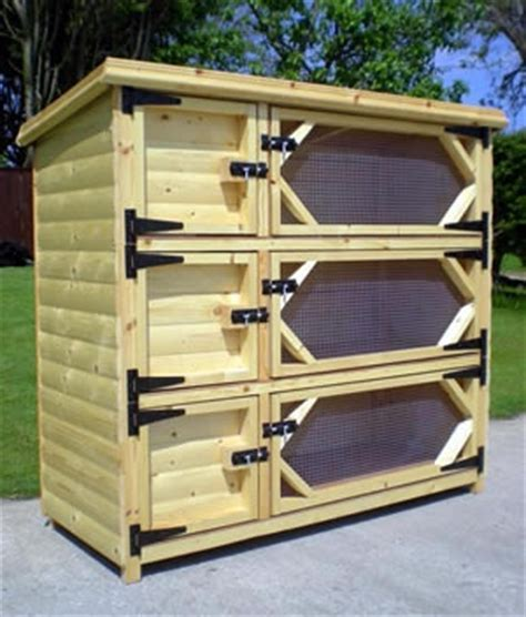 hutch company number 1000 ideas about rabbit hutches on rabbits