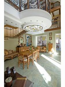 Country House In Russia Blends Traditional And