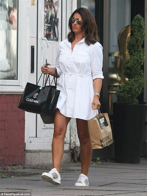 Pregnant Rebekah Vardy heads for a haircut on relaxing day ...