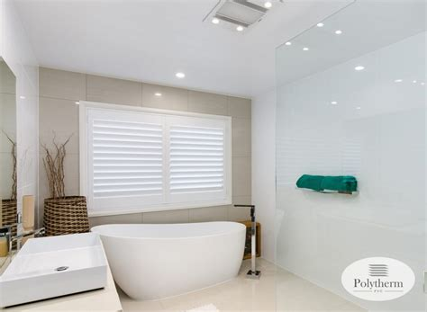 Small Bathroom Blinds by Bathroom Blinds Choosing The Best Blinds For Areas