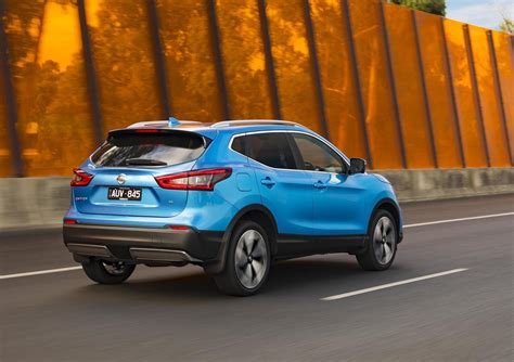 nissan qashqai update adds ti flagship variant