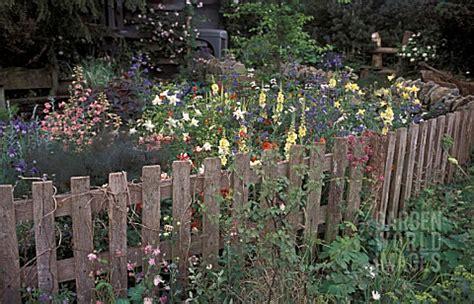 Dc6954 Picket Fence Cottage Garden Corner  Asset Details