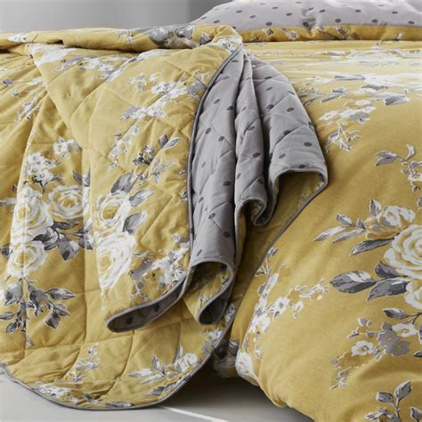 Catherine Lansfield   Canterbury   Bedspread   Yellow