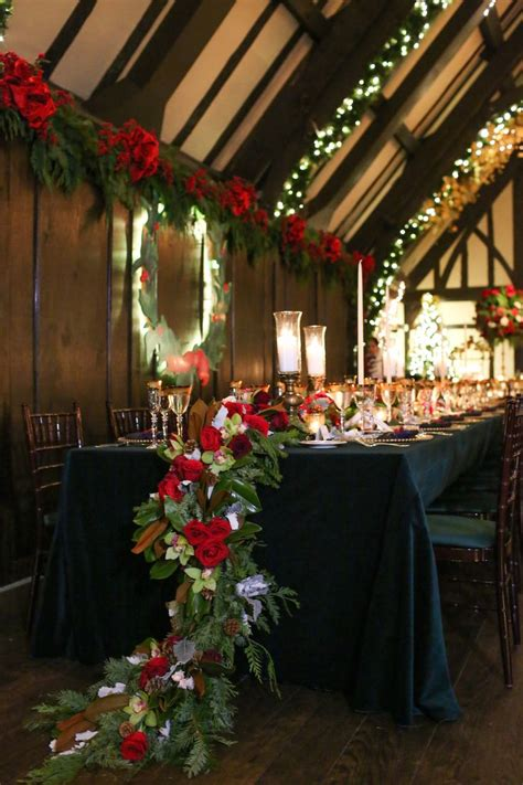Christmas Theme Wedding With Festive Red And Green Décor In