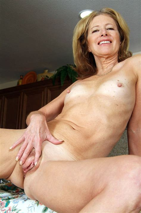 Granny mature beauty justine Hot pics.