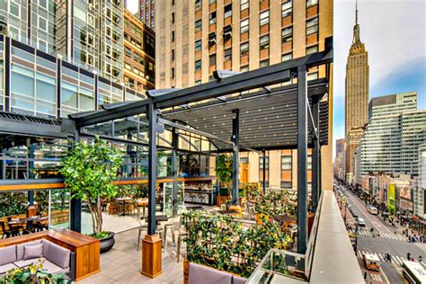 Restaurant Near Square Garden by Rock Reilly S New York For Sports And Other Times Of