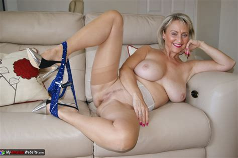 Sugarbabe A Nice Young Stud Who Needs A Milf