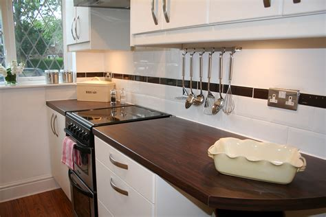 How To Tile Bathrooms Or Kitchens Using Metro Or Subway