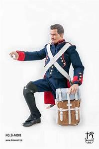 French Field Artillery Gunner  Napoleonic Wars  Standard