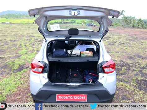 renault kwid boot space drivespark car of the year 2016 renault kwid drivespark