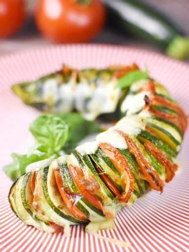 cuisine de courgettes hasselback de courgette recette pesto mozzarella et