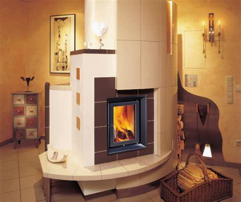Kachel Und Kaminoefen Fuer Energiesparhaeuser by Ofensysteme Thiel Gmbh Kachelofen Heizung Sanit 228 R