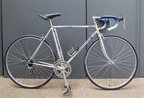 Peugeot Carbolite 103 by Vintage Peugeot Lightweight Mens Racing Bike With