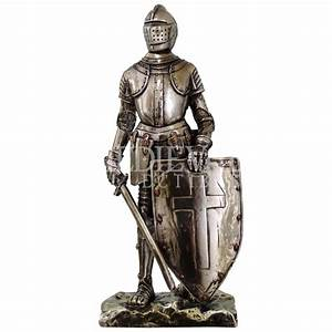 Triumphant Medieval Knight Statue - CC8718 from Dark