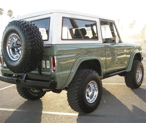 old bronco jeep best 25 bronco car ideas on pinterest ford bronco ford