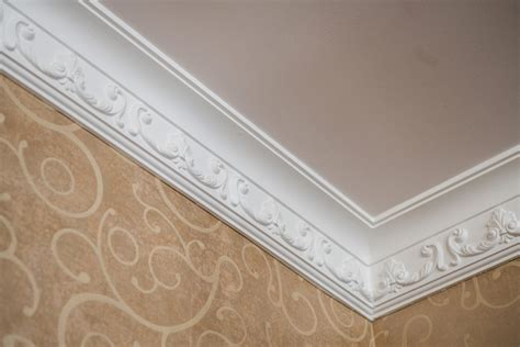 Plaster Crown Molding by 2019 Crown Molding Costs Per Foot Prices Cost To Install
