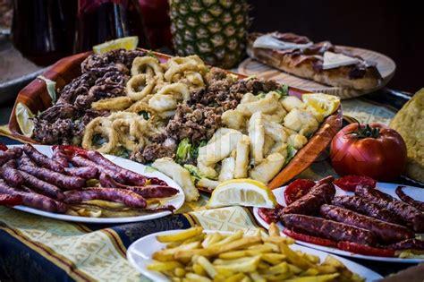 cuisine renaissance mediterranean food plates european cuisine fair