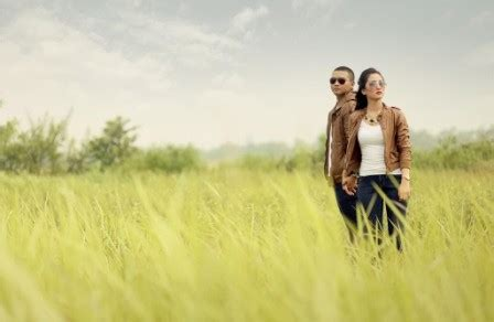 prewedding casual outdoor opsi terbaik  couples