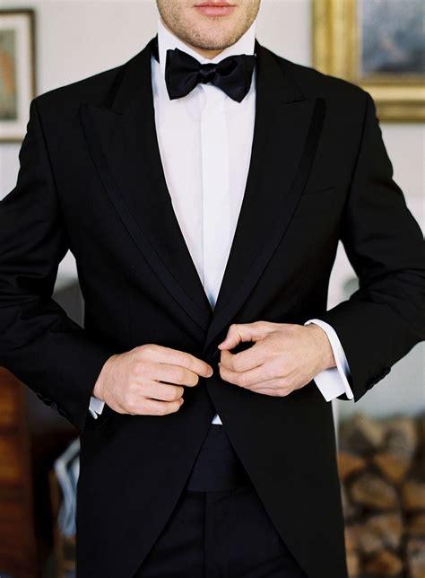classic tux  stylish grooms groomsmen