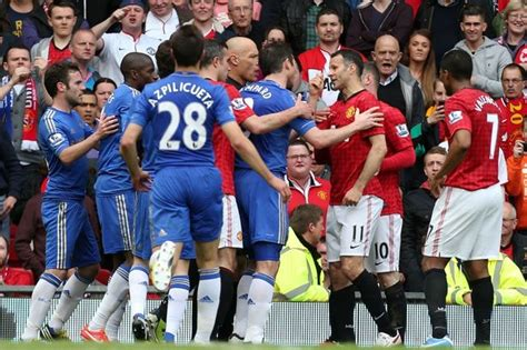 Manchester United 0-1 Chelsea match report: Controversial ...