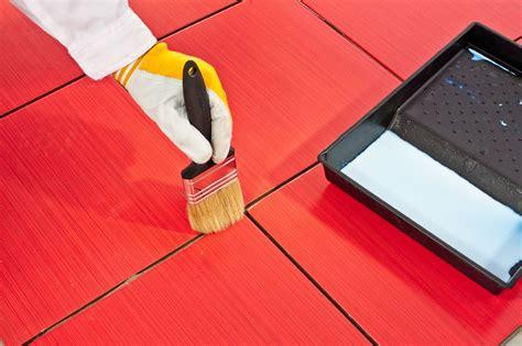 comment peindre du carrelage de cuisine peindre du carrelage sol les é et astuces pour un