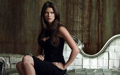 Peyton Wallpapers Sitting Hair Lady Supermodel Beauty