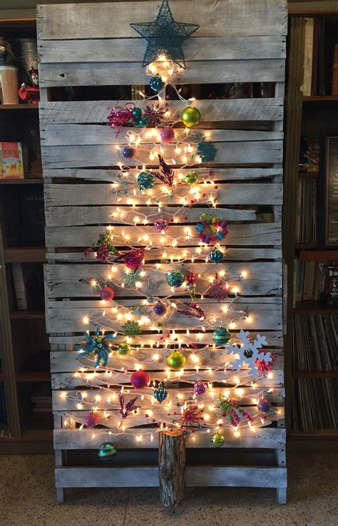 easy diy pallet christmas tree ideas  amaze