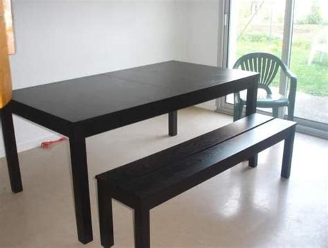 table avec rallonges bjursta ikea et ses deux bancs