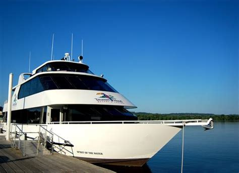 Charter Boat Hastings by Treasure Island Resort Casino Attractions
