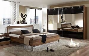 Stylish black contemporary bedroom sets for white or gray for Bedroom furniture modern