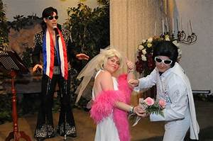 Viva las vegas weddings blog las vegas wedding chapels for Crazy las vegas weddings