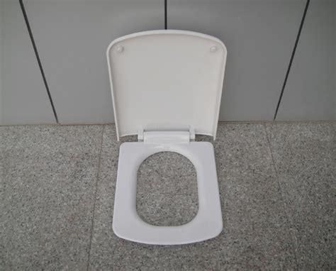 si鑒e toilette siege toilette pour handicape 28 images si 232 ge toilettes si 232 ge de toilettes sur 233 lev 233 avec accoudoirs aa2169 nouveau salle de